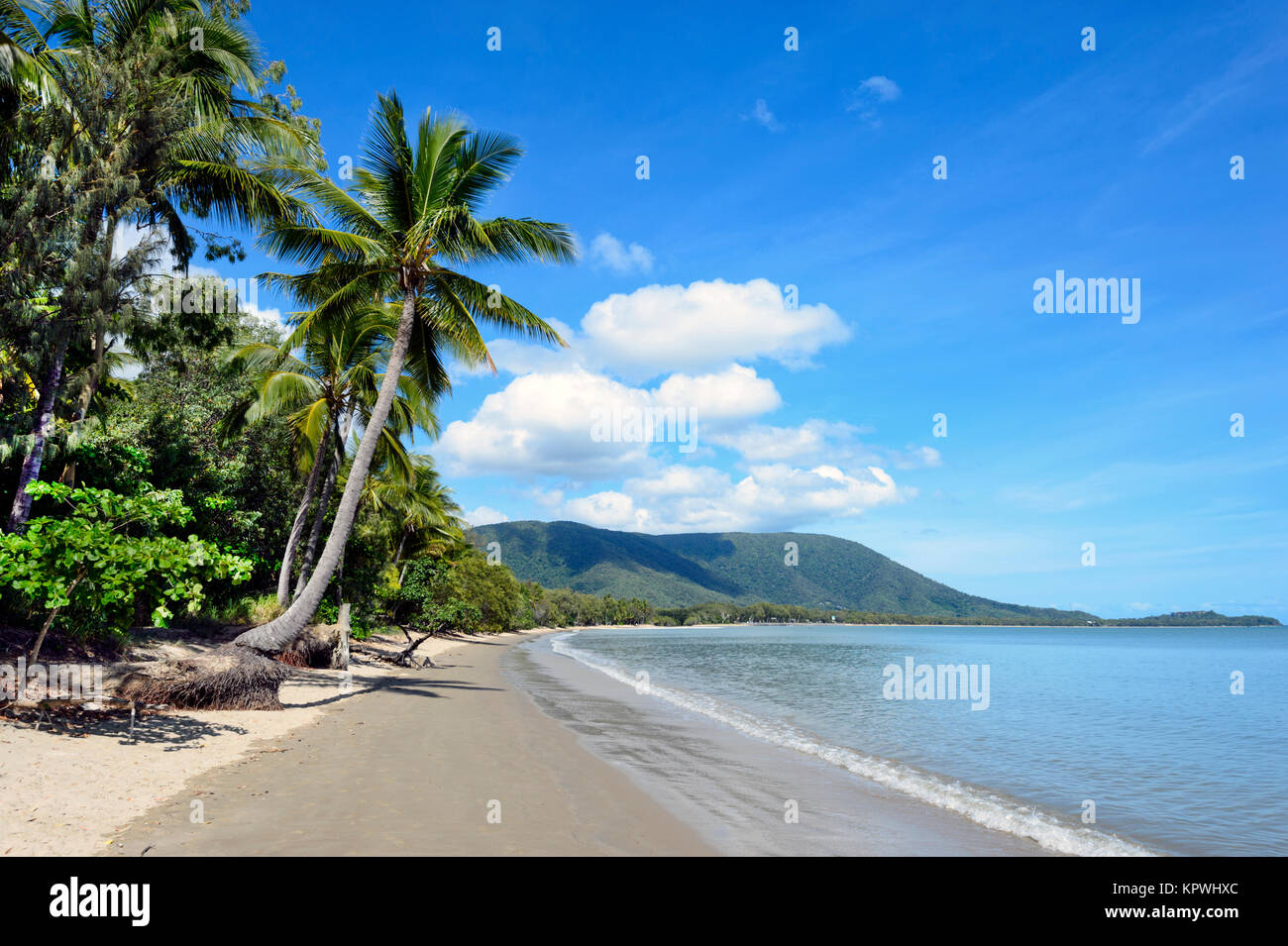 view-of-scenic-kewarra-beach-a-popular-n