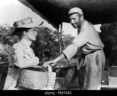 Katharine Hepburn and Humphrey Bogart, 'The African Queen' 1951 United Artists File Reference # 30928_095THA - Stock Image