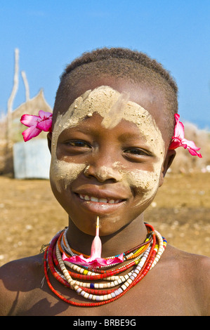 Young girl from the Karo tribe, Omo Valley, Ethiopia - Stock Image