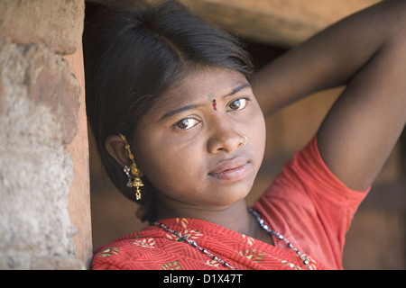 Close up of teenage Korku girl. Khalwa, Madhyapradesh, India. Rural faces of India - Stock Image