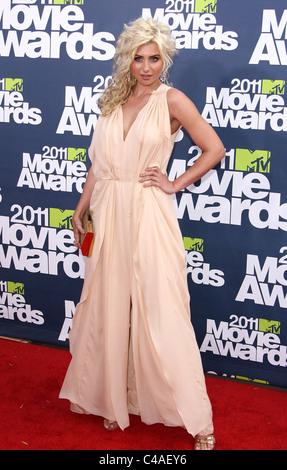 ALYSON MICHALKA 2011 MTV MOVIE AWARDS UNIVERSAL CITY LOS ANGELES CALIFORNIA USA 05 June 2011 - Stock Image