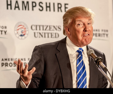 Donald Trump speaks in Manchester, New Hampshire, on 4-12-14. - Stock Image