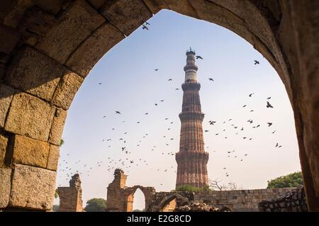 India Delhi Qutb Minar site listed as World Heritage by UNESCO 13th century minaret 72m high 14m diameter on the - Stock Image