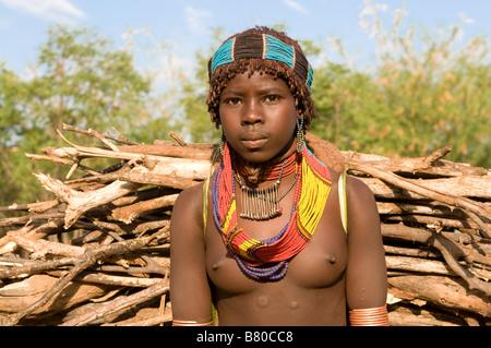 Young tribal Hamer girl,Omovalley,Ethiopia Africa - Stock Image