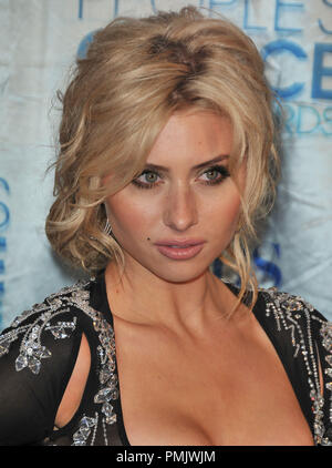 Alyson Michalka at the 2011 People's Choice Awards - Arrivals held at the Nokia Theatre L.A. Live in Los Angeles, CA. The event took place on Wednesday, January 5, 2011. Photo by PRPP_Pacific Rim Photo Press / PictureLux - Stock Image