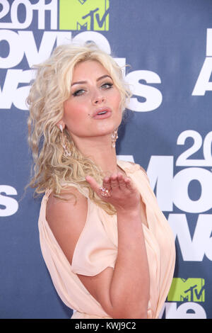 UNIVERSAL CITY, CA - JUNE 05: Alyson Michalka at the 2011 MTV Movie Awards at Universal Studios' Gibson Amphitheatre - Stock Image