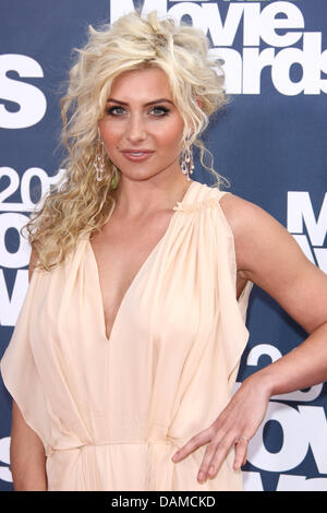 Actress Alyson Michalka arrives at the MTV Movie Awards at Universal Studio's Gibson Amphitheatre in Universal - Stock Image