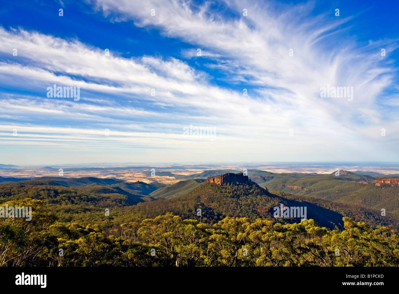 mt-kaputar-national-park-australia-looking-out-to-the-western-plains-B1PCKD.jpg