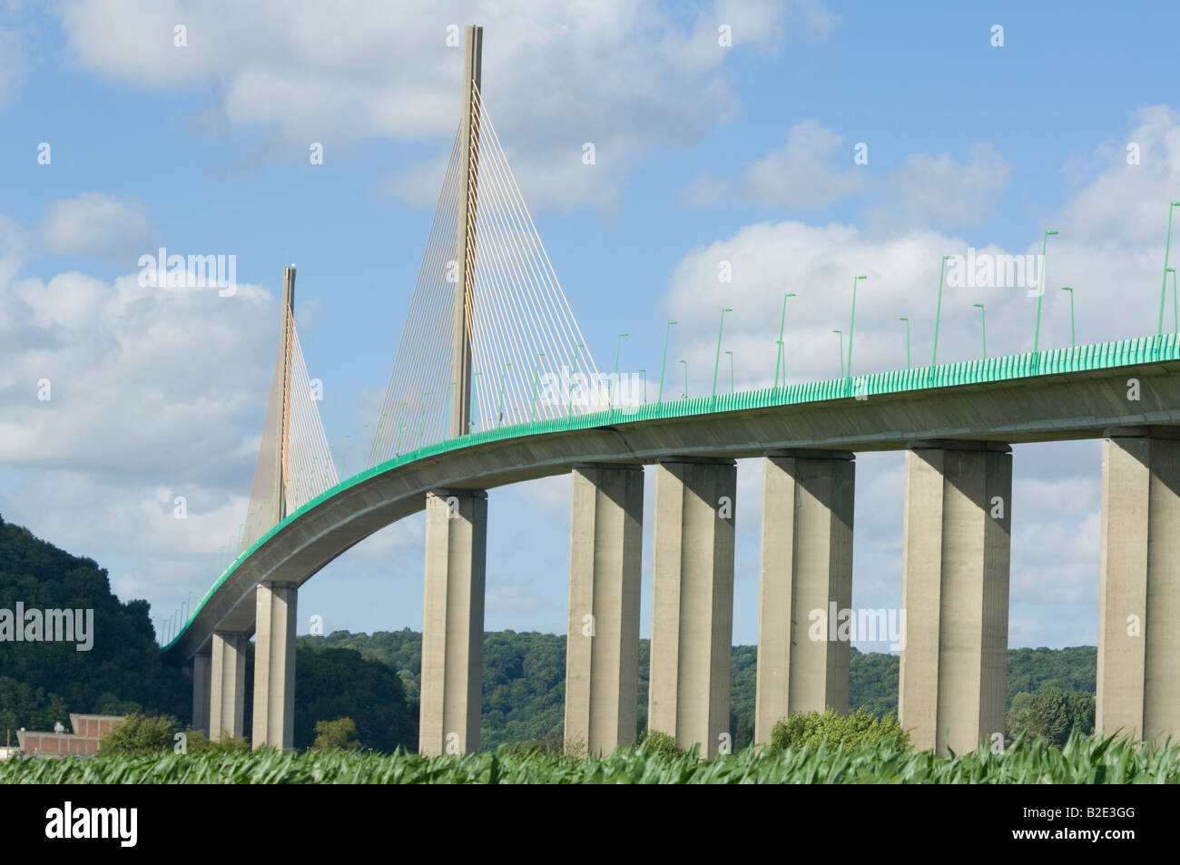 pont-de-brotonne-normandy-france-B2E3GG.