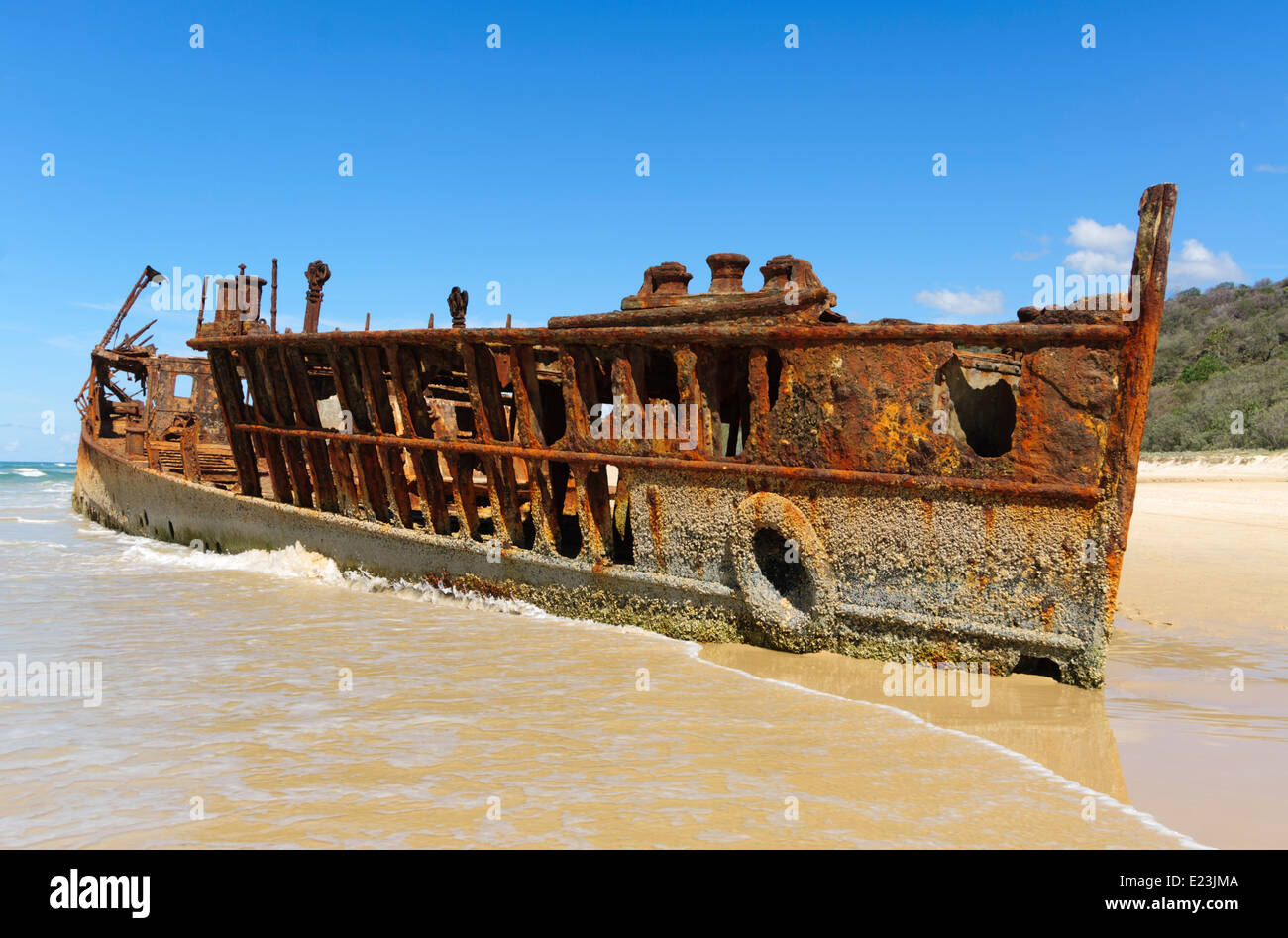 the-maheno-shipwreck-which-was-washed-as