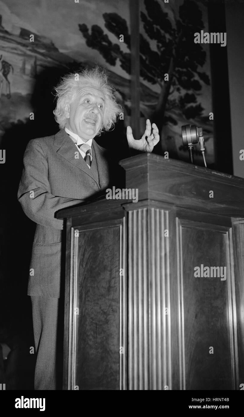albert-einstein-german-american-physicis