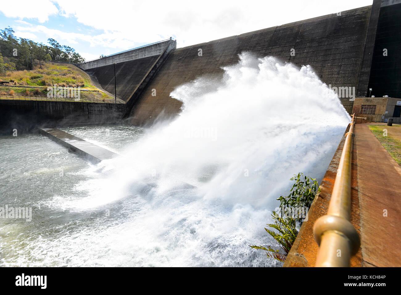 tinaroo-falls-dam-river-outlet-across-th