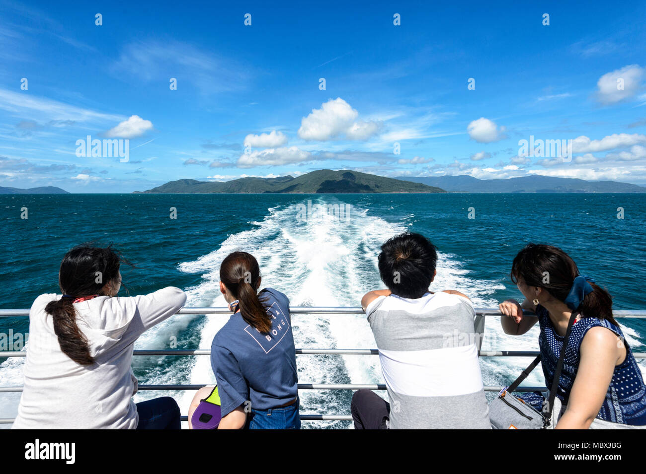 chinese-tourists-looking-back-at-the-boa