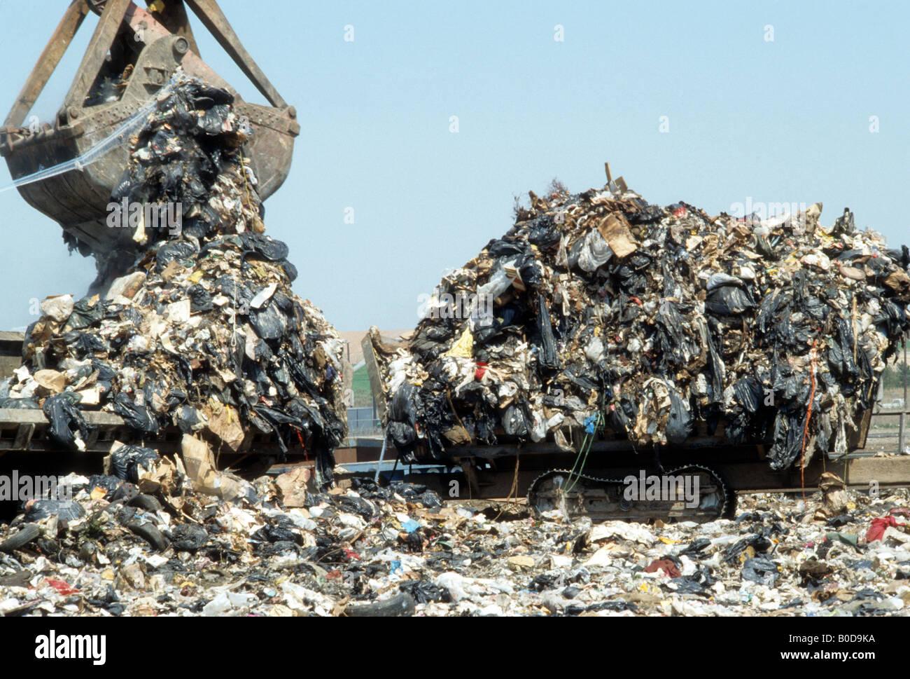 the-fresh-kills-landfill-in-staten-islan