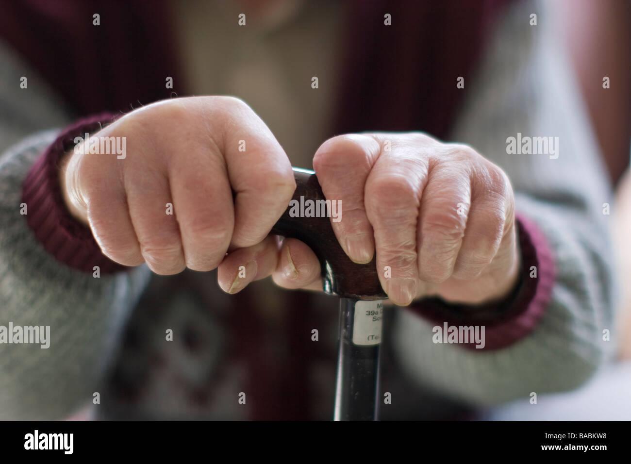 elderly-man-oap-old-age-pensioner-hands-