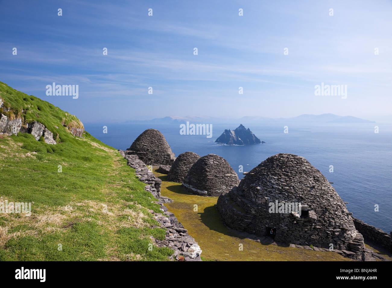beehive-stone-huts-celtic-monastic-monas
