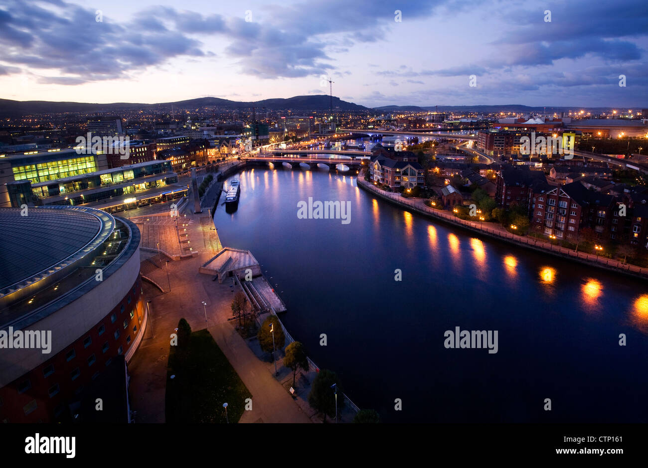 dusk-view-over-belfast-northern-ireland-