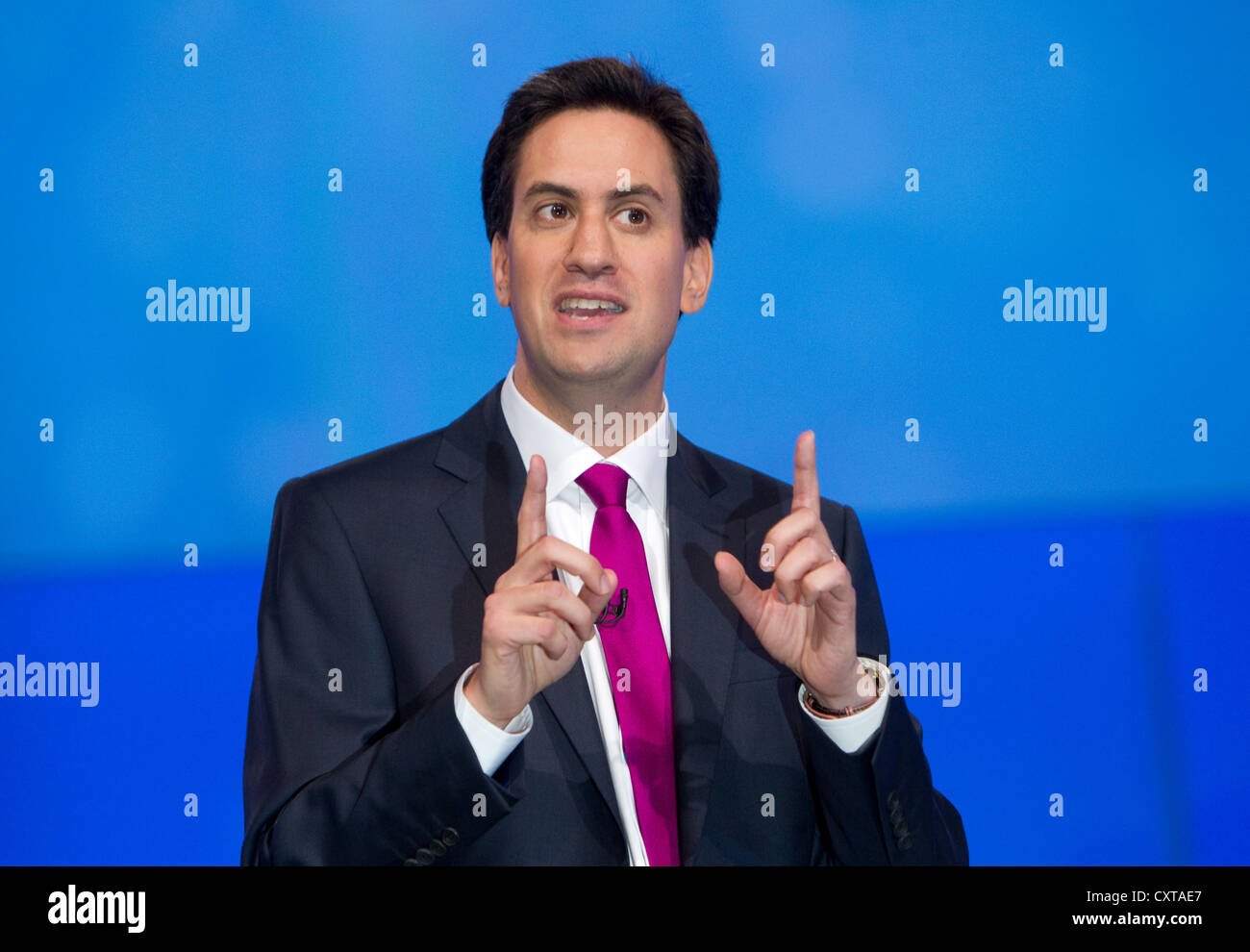 ed-miliband-at-the-labour-party-conferen