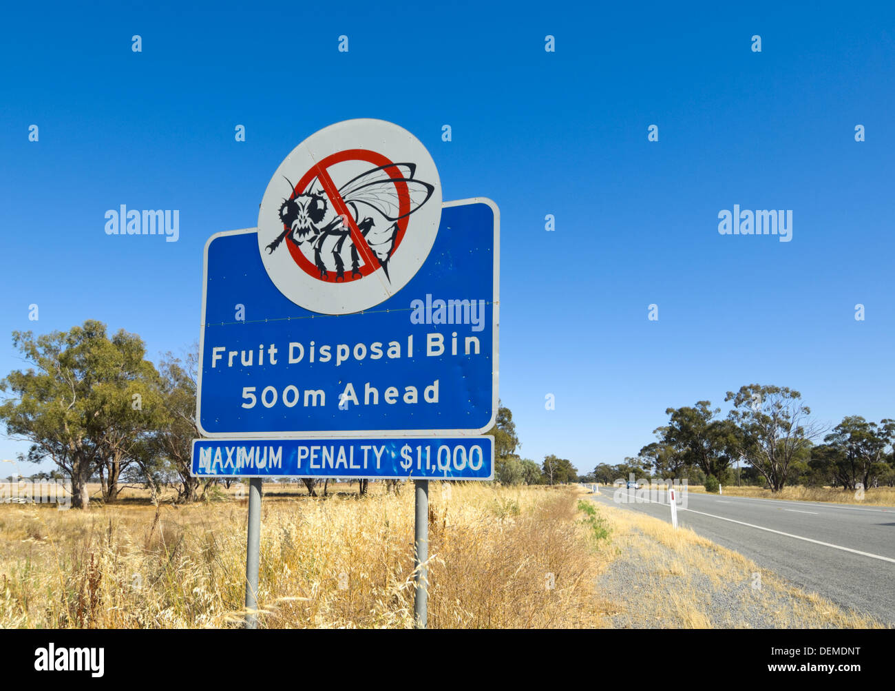 fruit-fly-exclusion-zone-sign-new-south-
