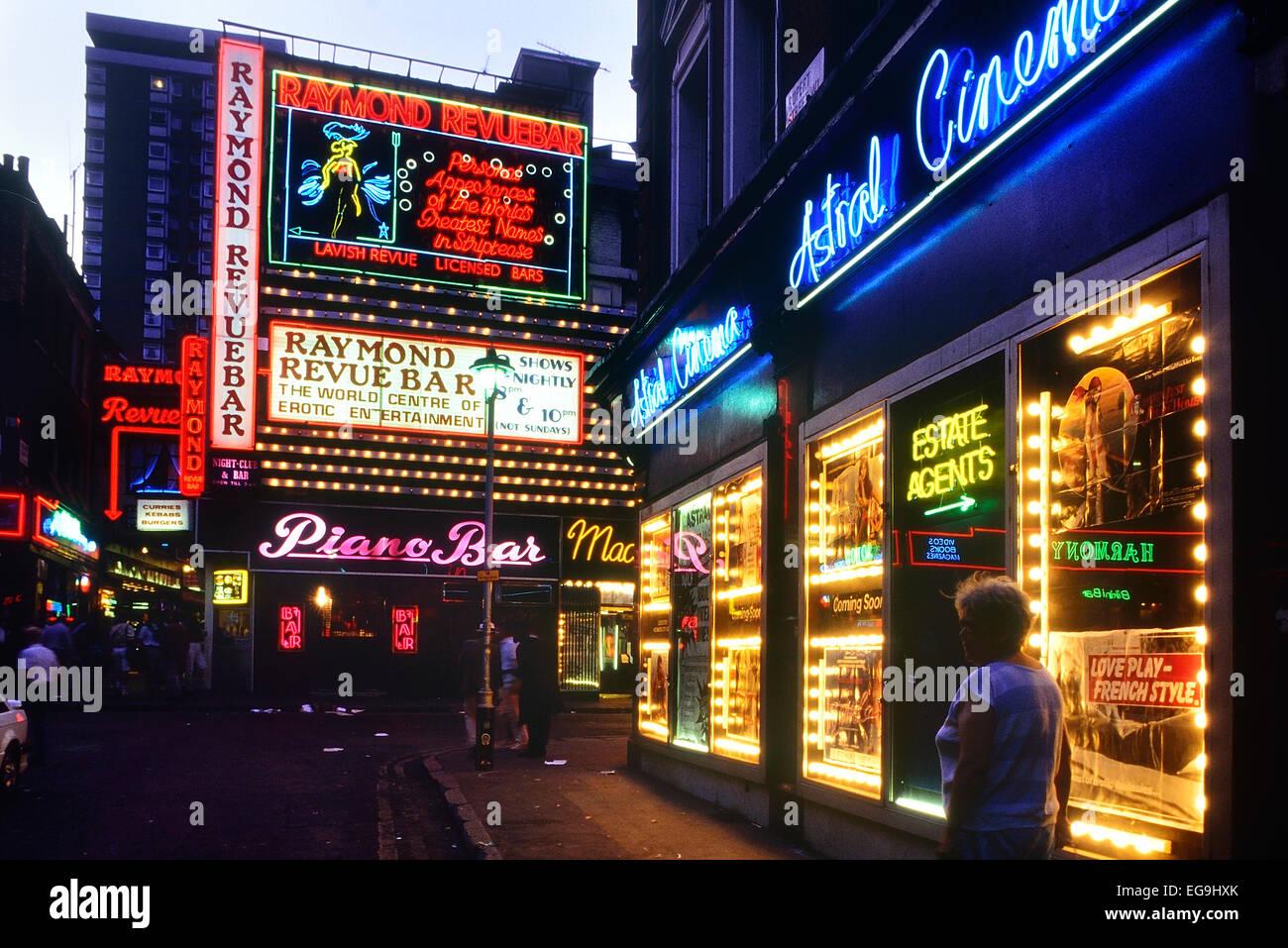 the-raymond-revue-bar-soho-london-englan