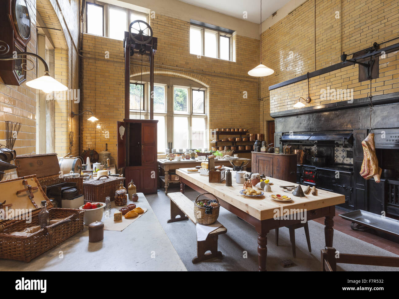 the-kitchen-at-cragside-northumberland-t