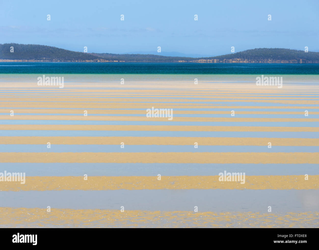 low-tide-near-sorrell-tasman-peninsula-t