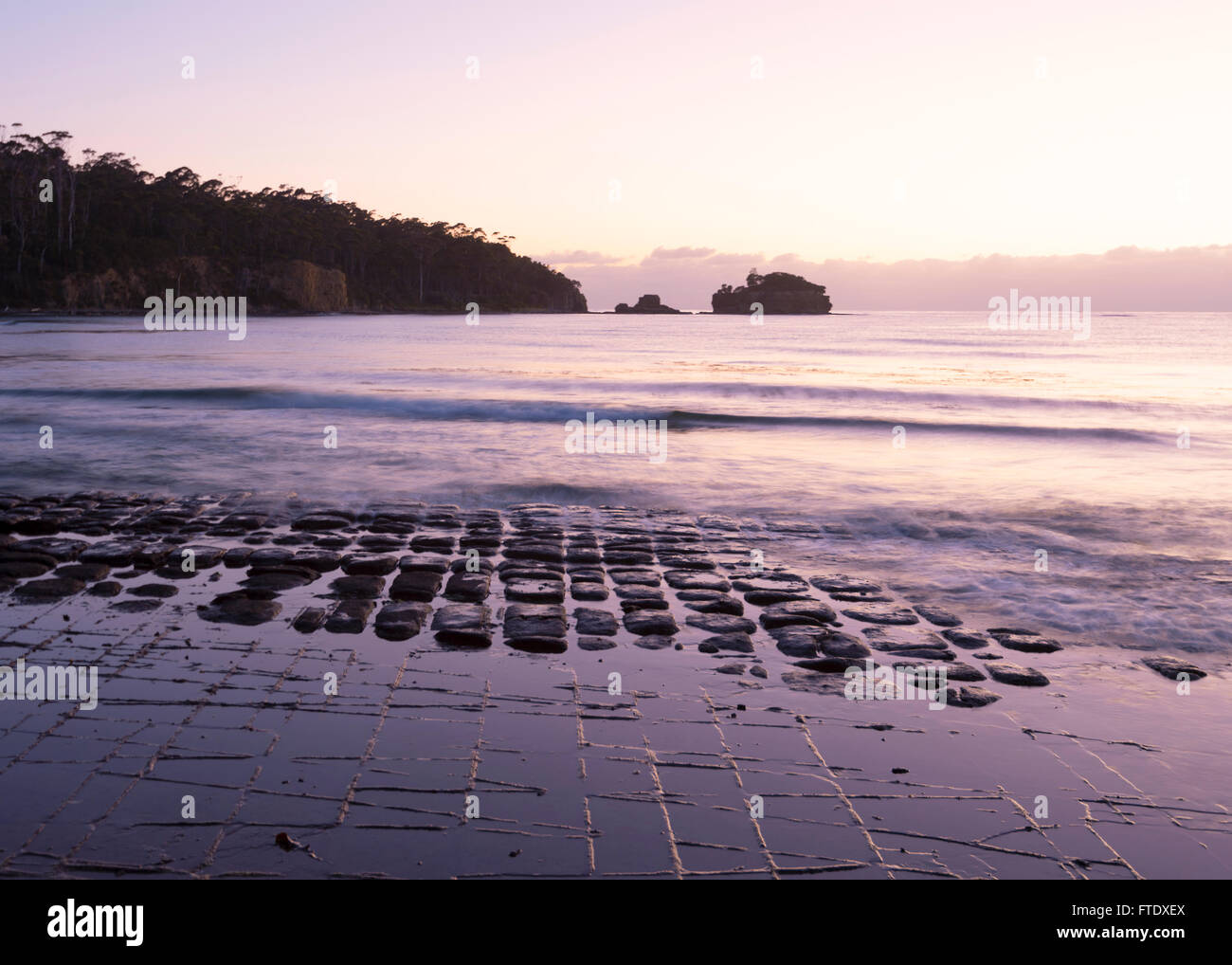 tessellated-pavement-eaglehawk-neck-tasm