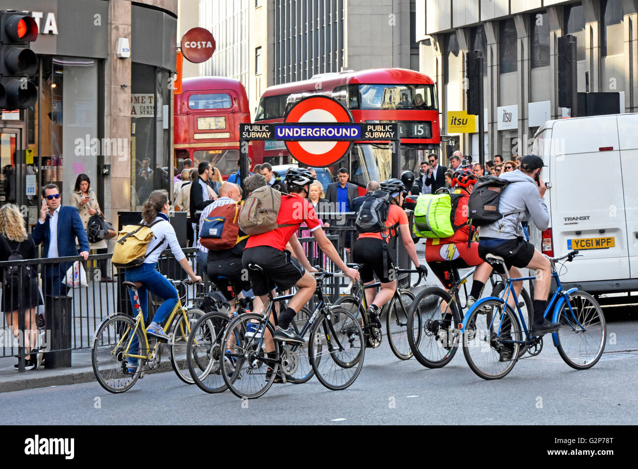 evening-rush-hour-in-city-of-london-engl