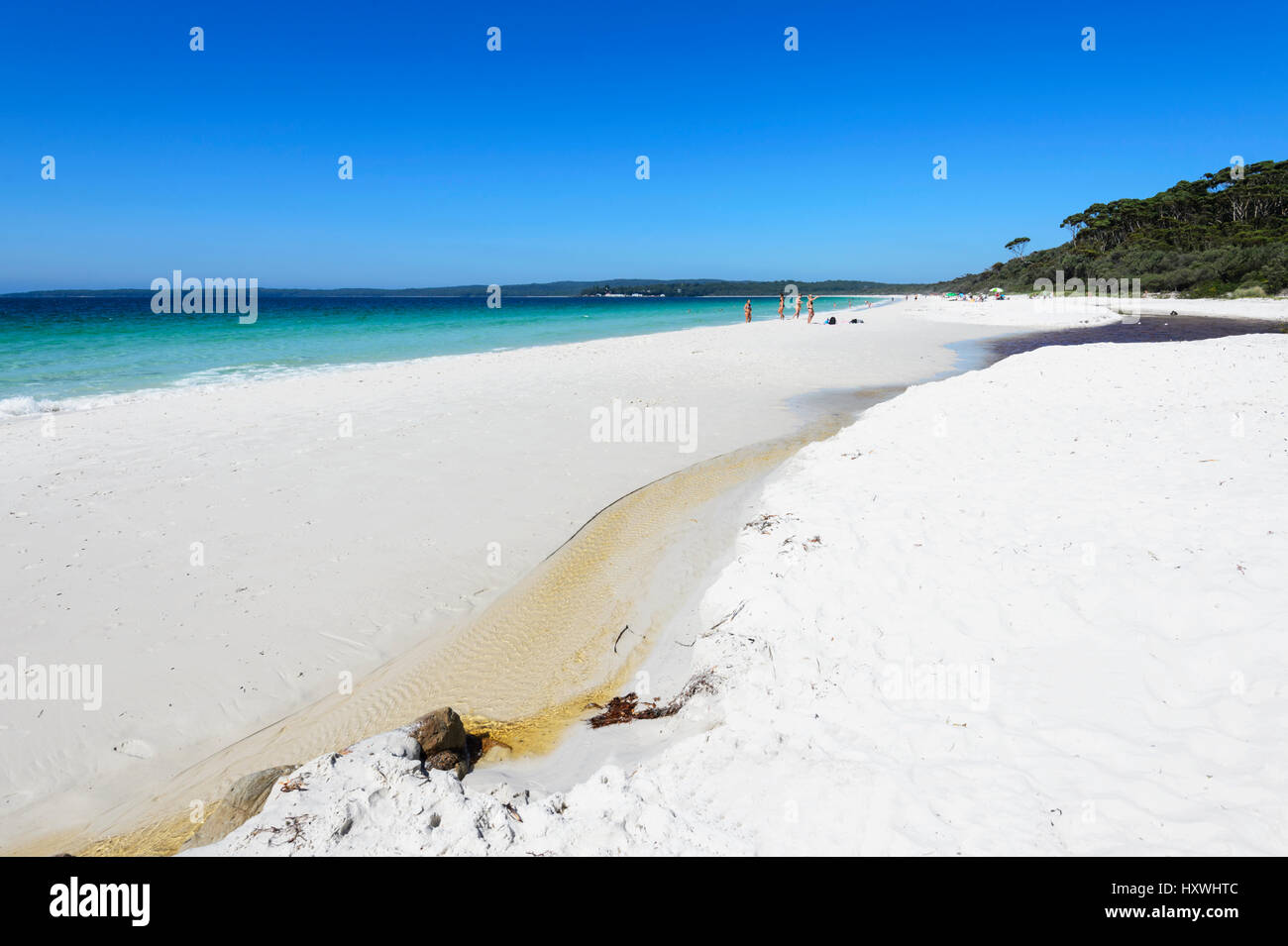 hyams-beach-is-a-spectacular-stretch-of-