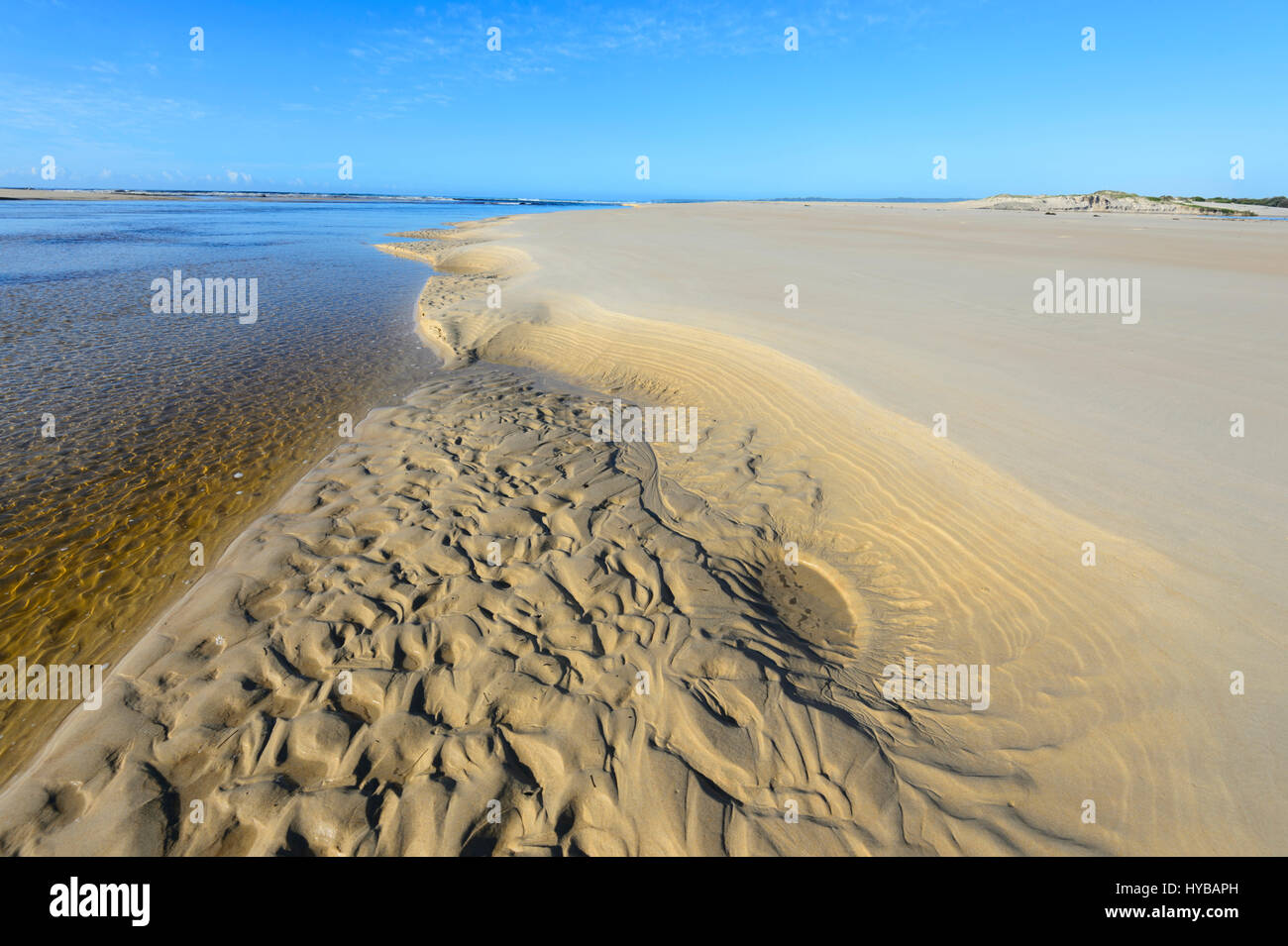 sand-patterns-where-lake-conjola-meets-t