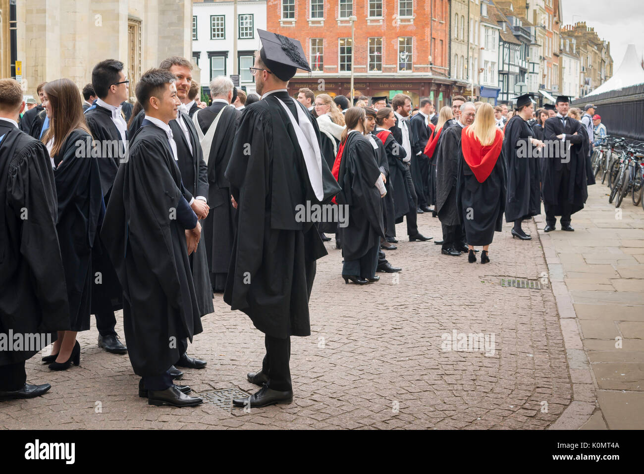 students-graduation-uk-undergraduates-as