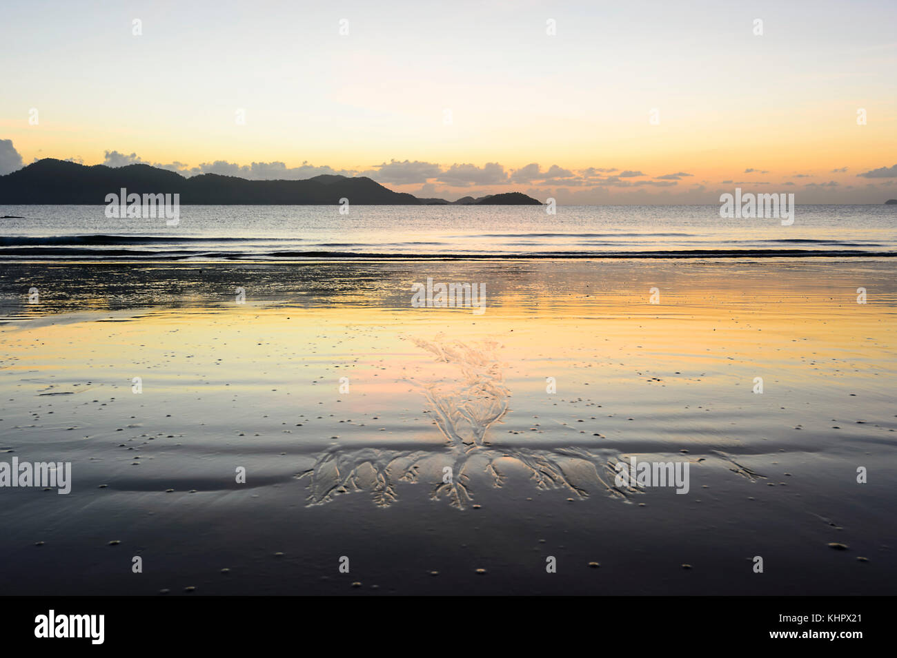 sand-patterns-at-sunrise-on-south-missio
