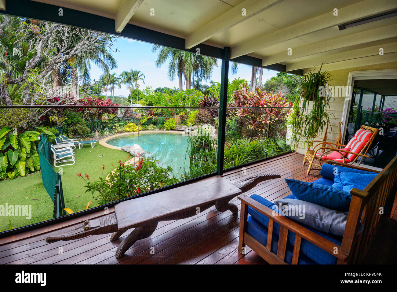 typical-queenslander-house-in-the-wet-tr