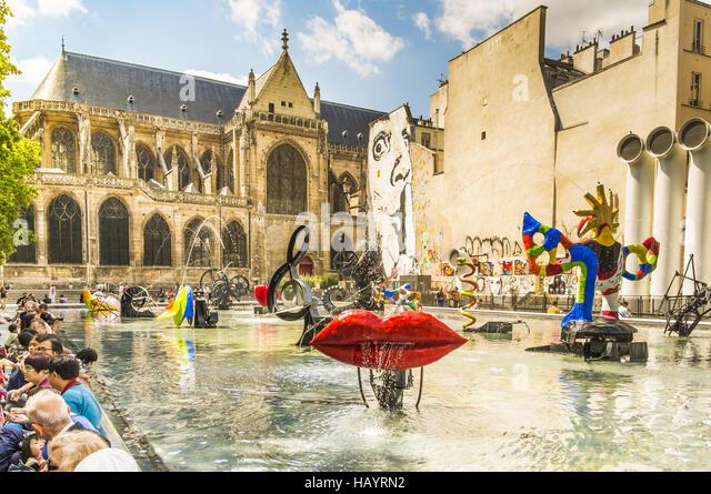 stravinsky-fountain-hayrn2.jpg