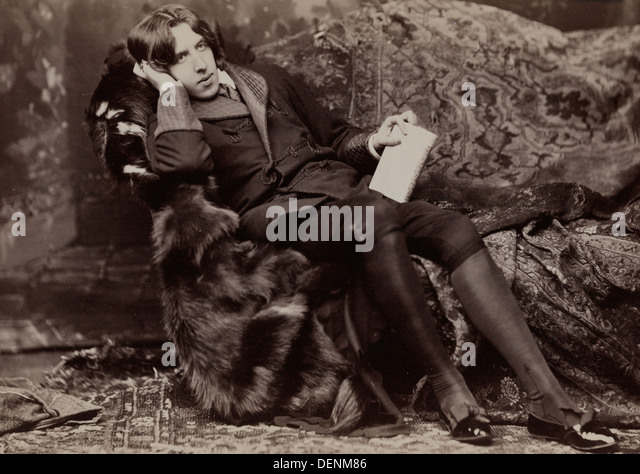 oscar-wilde-full-length-portrait-facing-