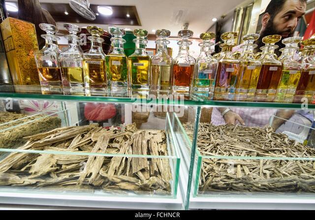 agarwood-for-sale-in-soi-arab-bangkok-th