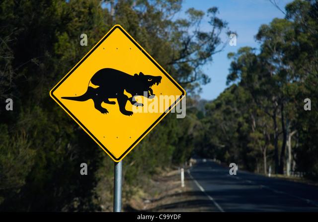 tasmanian-devil-road-sign-near-port-arth