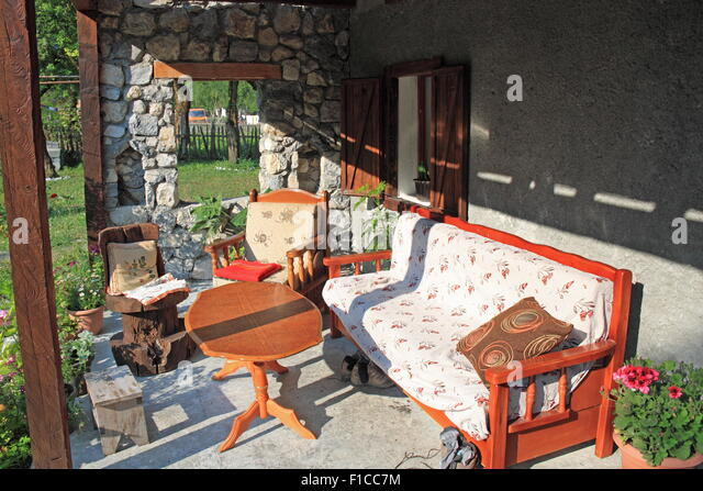 kol-gjoni-guesthouse-grykat-e-harpura-va