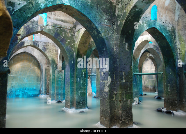israel-ramla-the-pool-of-arches-an-under