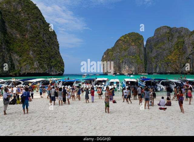 numerous-tourists-flocking-to-maya-beach