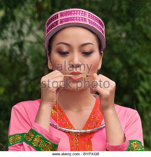 actress-portraying-flower-hmong-woman-pl