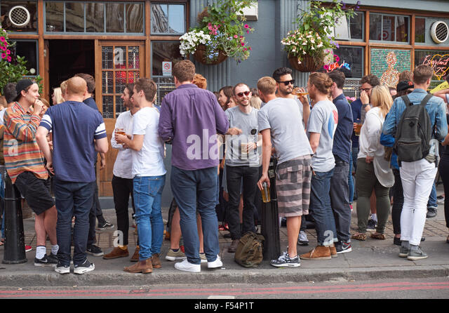 young-people-drinking-outside-the-golden