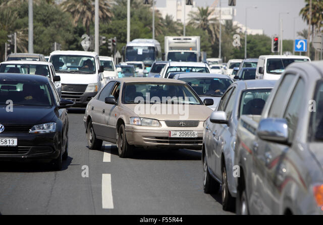 07.03.2015, Doha, Qatar, Qatar - Driver selects a traffic jam the lane. 00S150307D611CAROEX.JPG - NOT for SALE in - Stock Image