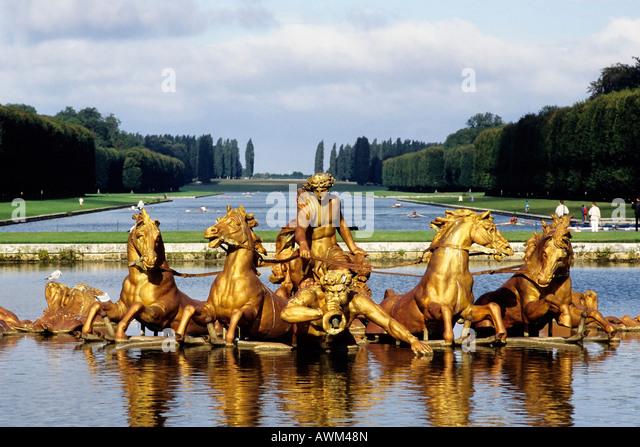 apollo-fountain-bassin-dapollon-palace-o