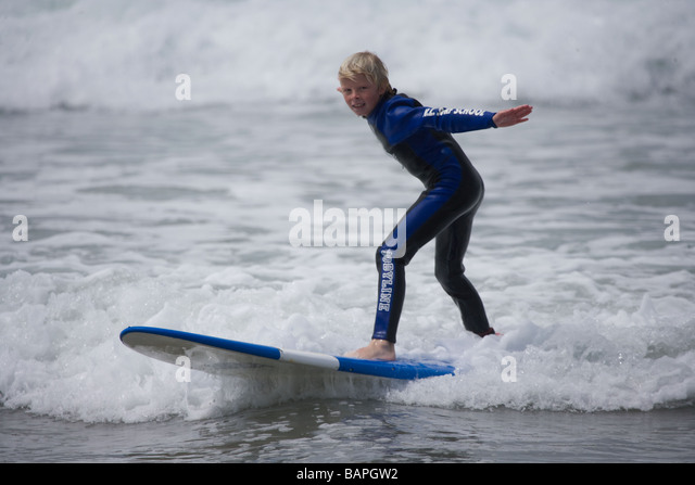 surfing-in-mt-mauganui-new-zealand-bapgw
