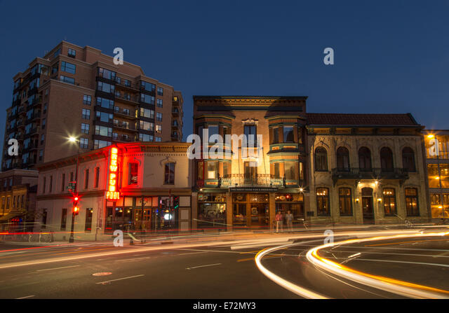 downtown-streets-at-dusk-in-madison-wisc