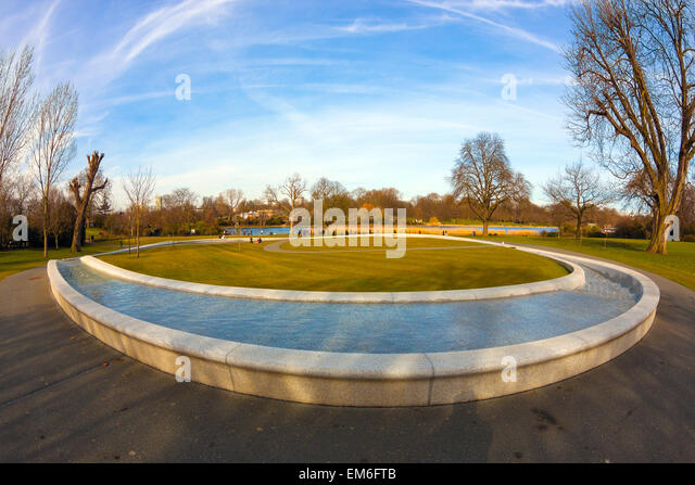 diana-memorial-fountain-hyde-park-london