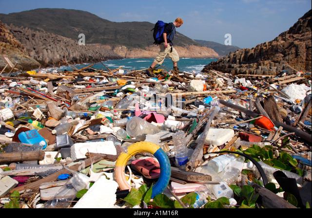 trash-on-a-hong-kong-coastline-sai-kung-